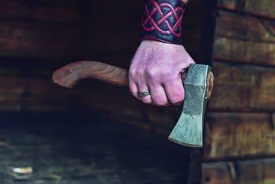 vikingbijl oyo